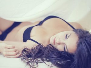 sleeping with bra on wearing bra to bed